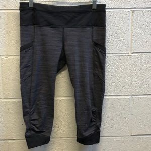 Lululemon black purple blue legging, sz 8, 62342